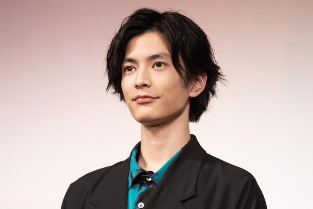 渡邊圭祐の兄はイケメン美容師!?両親の情報や美人の姉もいる?